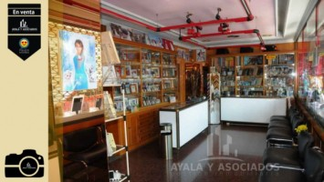 LOCAL COMERCIAL EN BARRIO PERAL